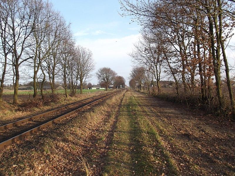 Spoorlijn richting Budel genomen een paar honderd meter van de grens.