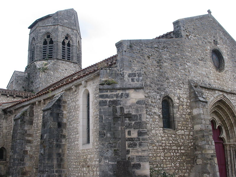 Eglise Saint-Jean Baptiste à Charroux (03).