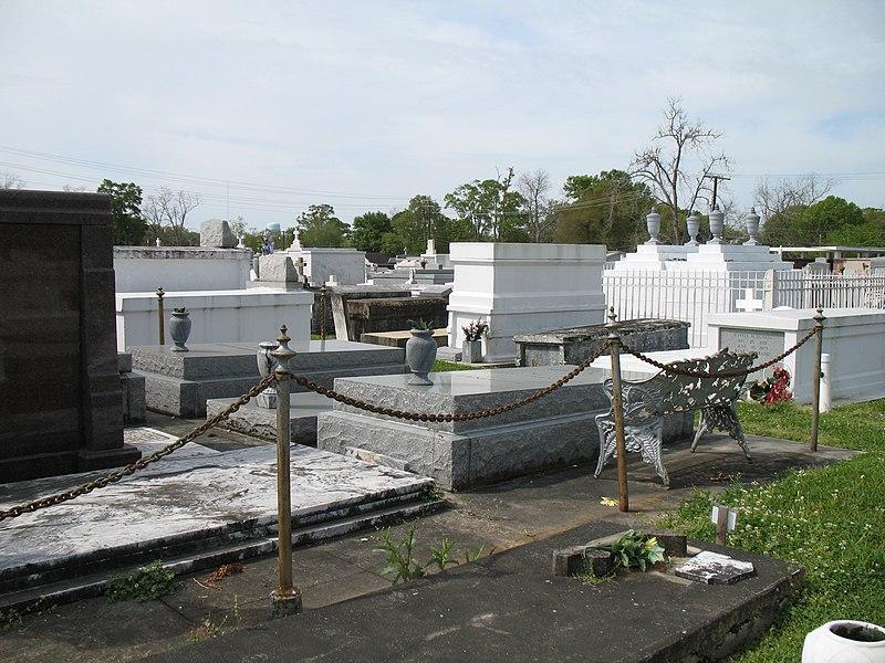 File:St. Martin de Tours Cemetery (431994688).jpg