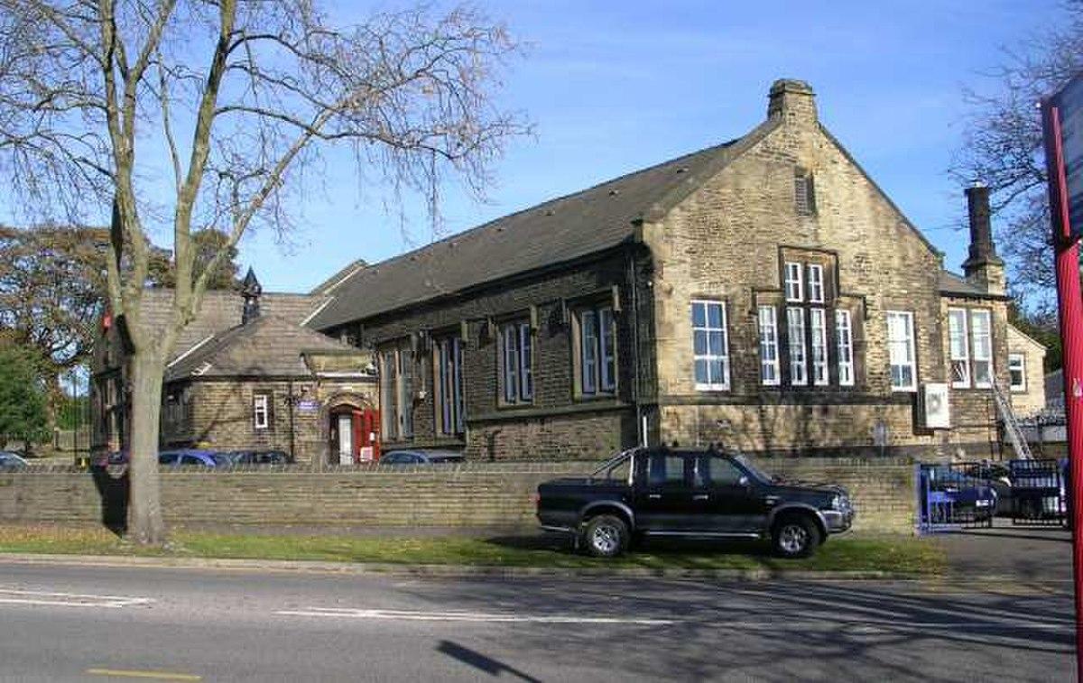 St Paul's School - St Paul's Avenue - geograph.org.uk - 598544.jpg