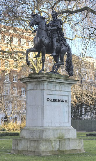 Equestrian statue of William III, London - Image: Statue of William III, St James Square