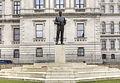 Statue of the Earl Mountbatten, London.jpg