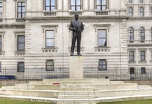 Statue of the Earl Mountbatten, London - The statue in 2014