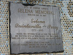 A plaque on the Mirador de la Flor (Selena's statue) in Corpus Christi, Texas.