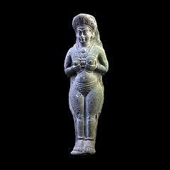 Statuette of a woman-Sb 7762