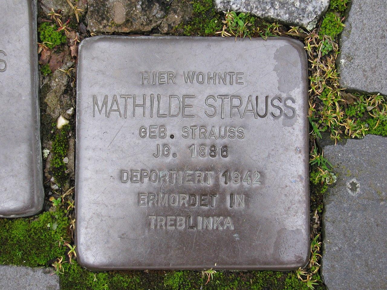 Stolperstein Mathilde Strauss, 1, Pfarrgasse 17, Mühlheim (Main), Landkreis Offenbach.jpg
