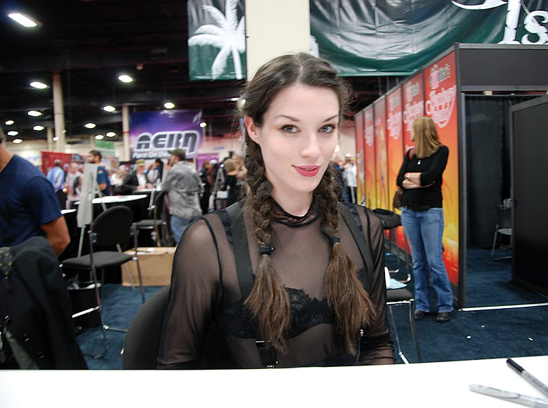 File:Stoya at Exxxotica New Jersey 2010.jpg