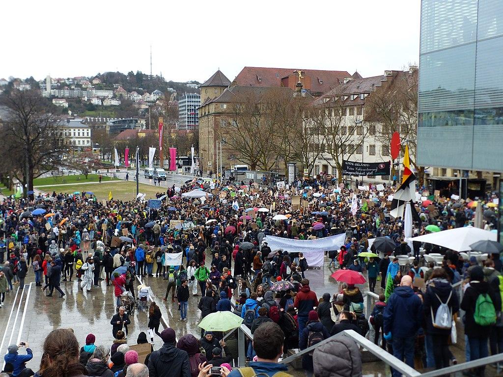 Stuttgart Fridays for future Kundgebung auf dem Schloßplatz 20190315 jy.jpg
