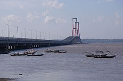 Suramadu Bridge 4.JPG