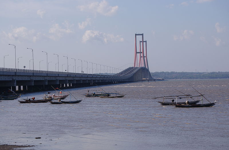 Description Suramadu Bridge 4.JPG
