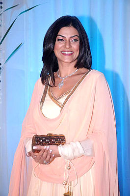 Sushmita Sen at Esha Deol's wedding reception 10.jpg