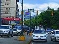 Taxis y estaciones de servicio en Caracas, Venezuela.jpg