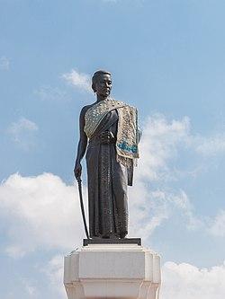 Thao Suranari Monument (I).jpg