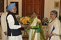 The President, Smt. Pratibha Devisingh Patil being greeted by the Prime Minister, Dr. Manmohan Singh and Smt. Gursharan Kaur, on the occasion of New Year, in New Delhi on January 01, 2010.jpg