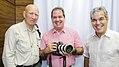 Tião Viana recebe renomado fotógrafo Sebastião Salgado (25868636861).jpg