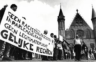 Centre Democrats (Netherlands) - Demonstration against Janmaat during the swearing in of the House of Representatives in 1989.