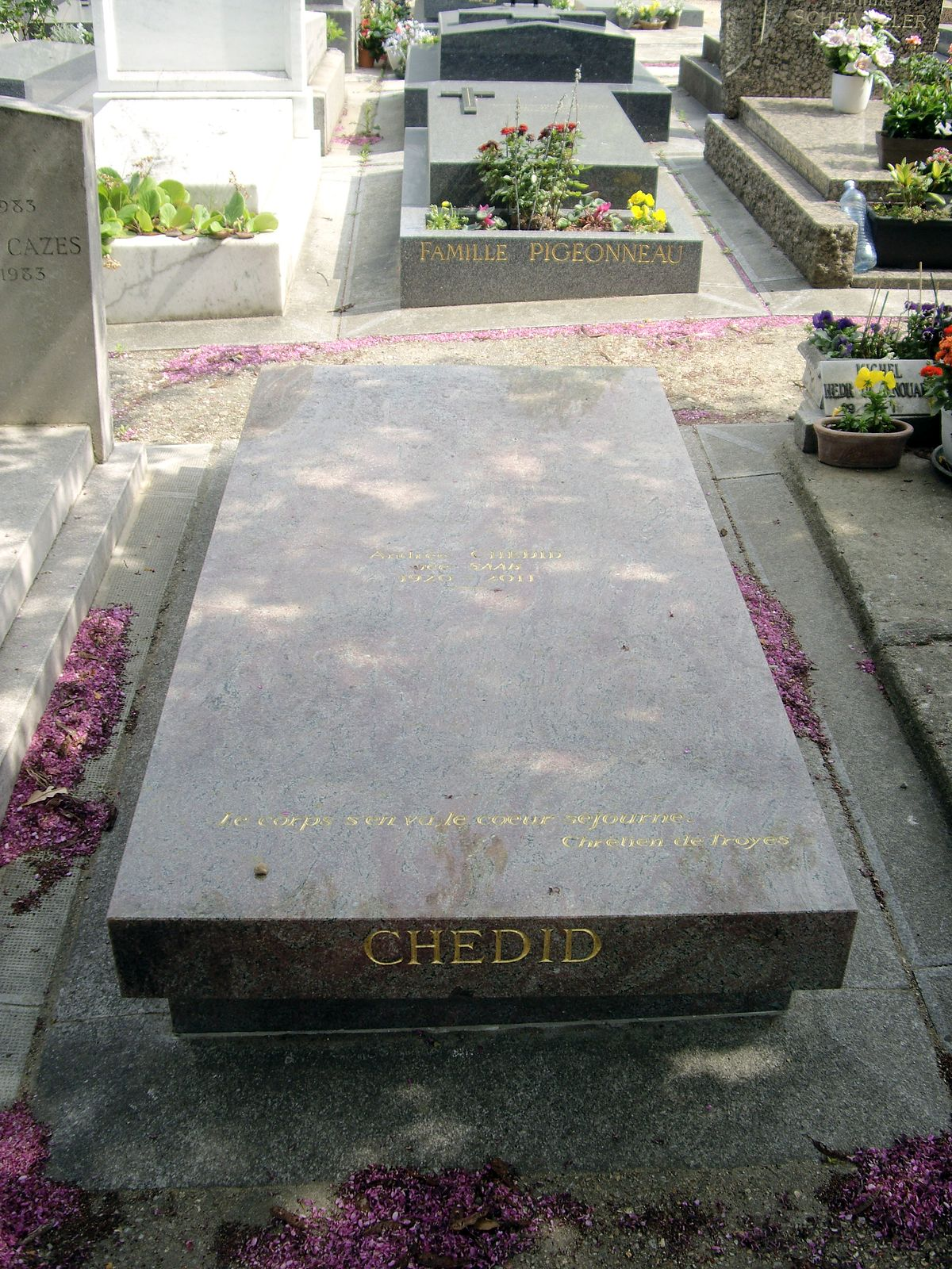 Tombe Andrée Chedid, Cimetière du Montparnasse.jpg