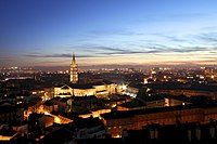Toulouse by night with Basilique Saint-Sernin.jpg