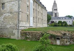 Enceinte gallo-romaine de Tours — Wikipédia