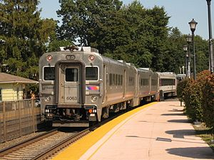 Bergen County Line - Image: Train 1253 leaves Glen Rock Boro Hall Bergen County Line