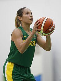 Treinamento da equipe brasileira de basquete feminino (28092659844).jpg