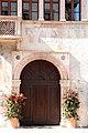 Trento, palazzo geremia, portale 01.jpg