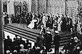 Troonswisseling 30 april , inhuldiging in Nieuwe Kerk Koningin Beatrix tijdens, Bestanddeelnr 930-8059.jpg