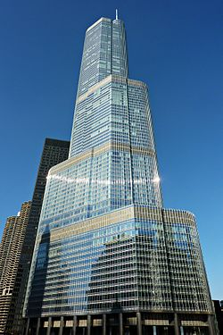 Trump International Hotel and Tower in Chicago 2010.jpg