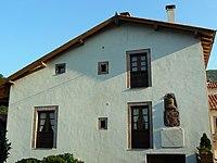 Tuña (Tineo) - Casa del General Riego.jpg
