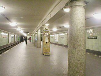 Voltastraße (Berlin U-Bahn) - U-Bahn station Voltastraße