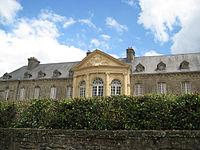 Valognes hotel beaumont avant-apres-restauration.jpg