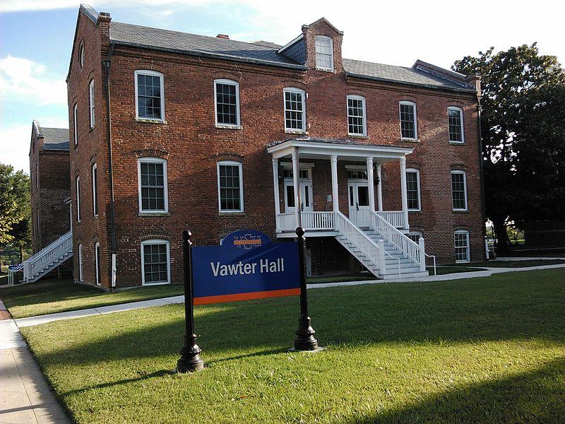 File:Vawter Hall at VSU.jpg