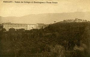 Villa Mondragone - Postcard of Villa Mondragone at the beginning of the 20th century.
