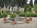Villa la pietra, pomario, fontana 02.JPG
