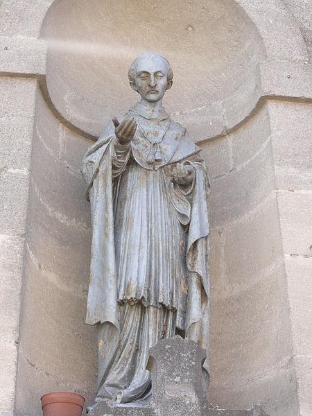 Villers-sur-Meuse (Meuse) église, statue de la façade