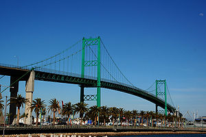 English: A view of the Vincent Thomas Bridge, ...
