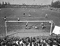 Voetbal DWS tegen Leeuwarden, spelmomenten, Bestanddeelnr 906-4544.jpg