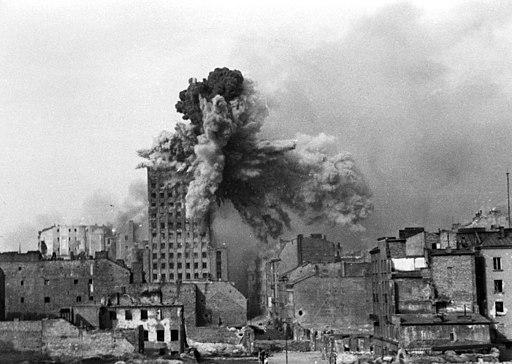 Warsaw Uprising - Prudential Hit - frame 2