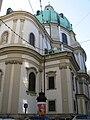 Wien Peterskirche außen 01.jpg