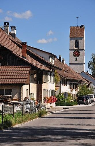 Wiesendangen - Image: Wiesendangen Dorfstrasse 2011 09 12 13 39 24
