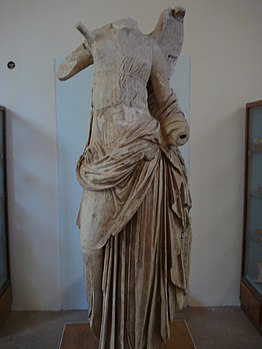 Winged Nike at Samothrace Archeaological museum.jpg