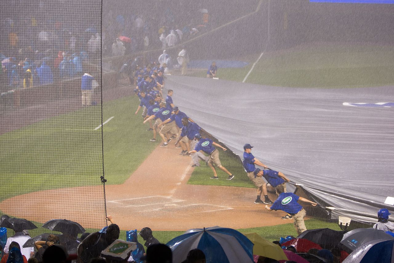 file wrigley field rain delay august 18  2015