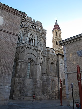 Cathedral of the Savior of Zaragoza - Frontal view of both apses