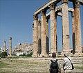 Zevs-tempelet med Akropolis bak.jpg