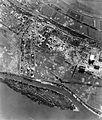 (ekkor Szőny településrésze) 1944. augusztus 9., az olajfinomító bombázása. Fortepan 15904.jpg