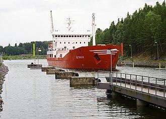 Södertälje Canal - M/S Östanvik i Södertälje Canal.