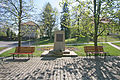 Žlunice pomník malíře Špály.JPG