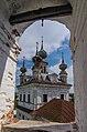 Вид с колокольни на Собор Михаила Архангела в Михайло-Архангельском монастыре (1792-1808).jpg