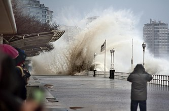 Наводнение Википедия Прогнозирование наводнений править править код
