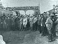 Киров, Микоян, Орджоникидзе и Левандовский среди красноармейцев в Баку 1920.JPG